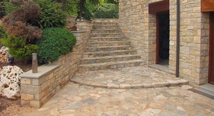suelos en piedra natural
